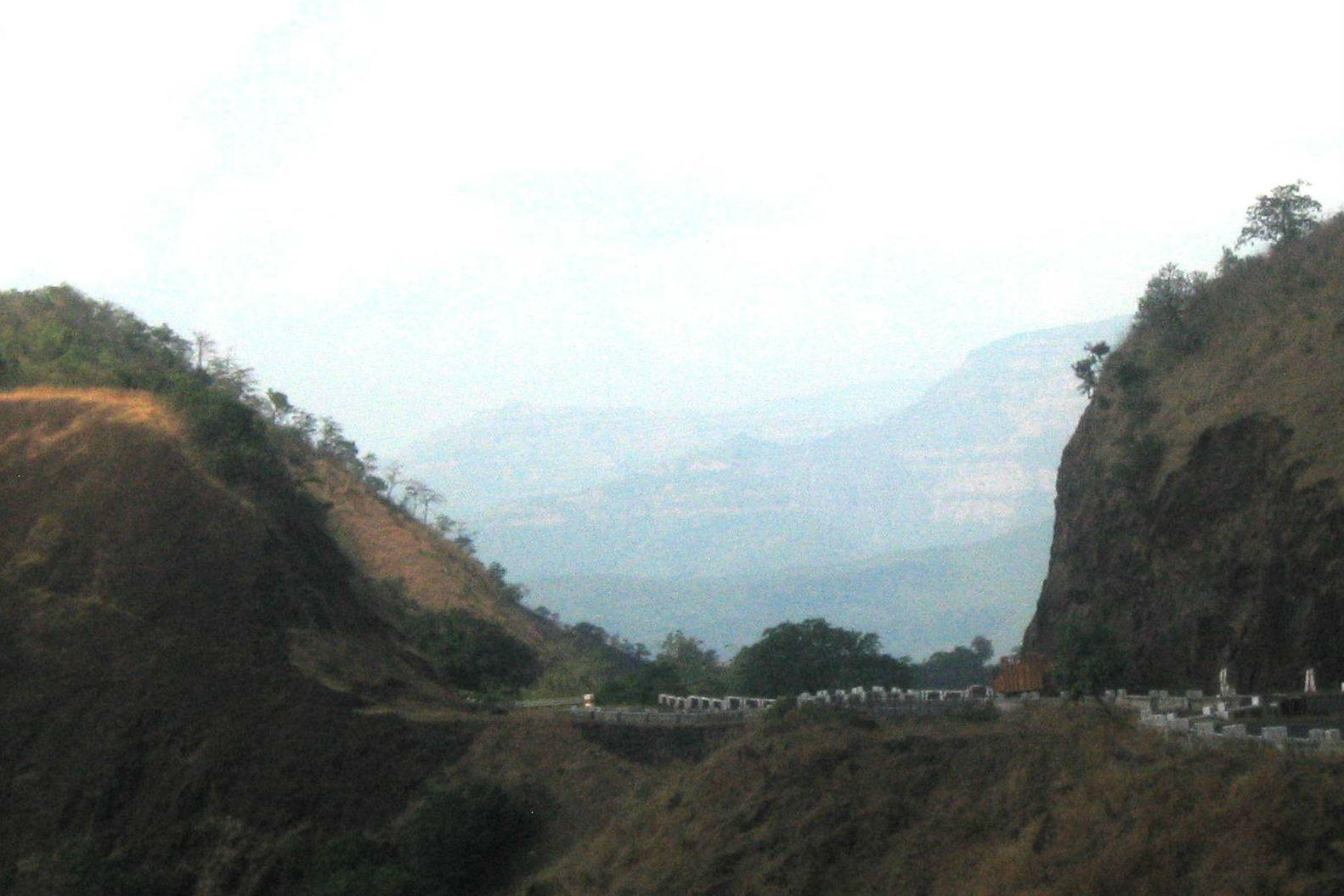 How to reach Amba Ghat in Kohlapur district?