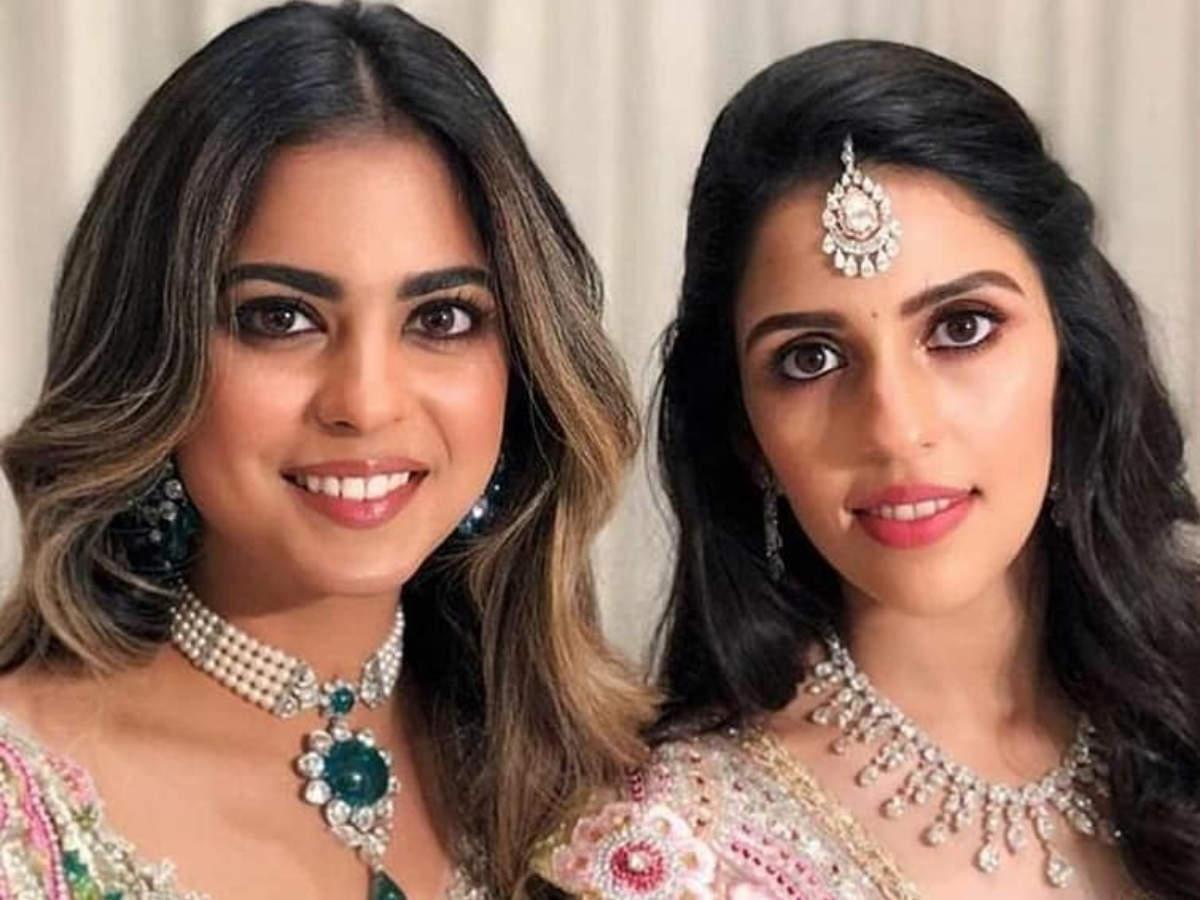 Image result for Wedding piks of Aksha Sloka and isha and   ananmy