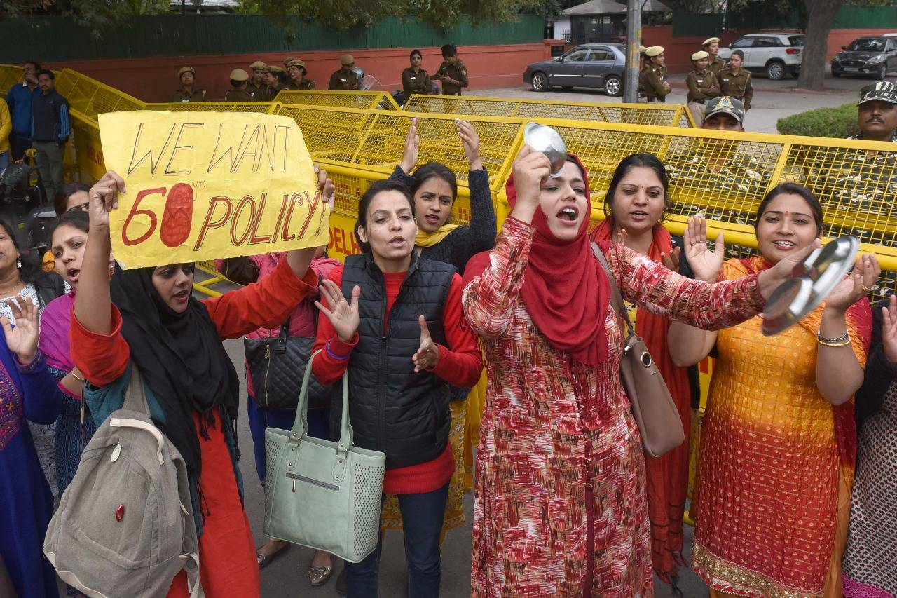 delhi-protesting-guest-teachers-get-notices