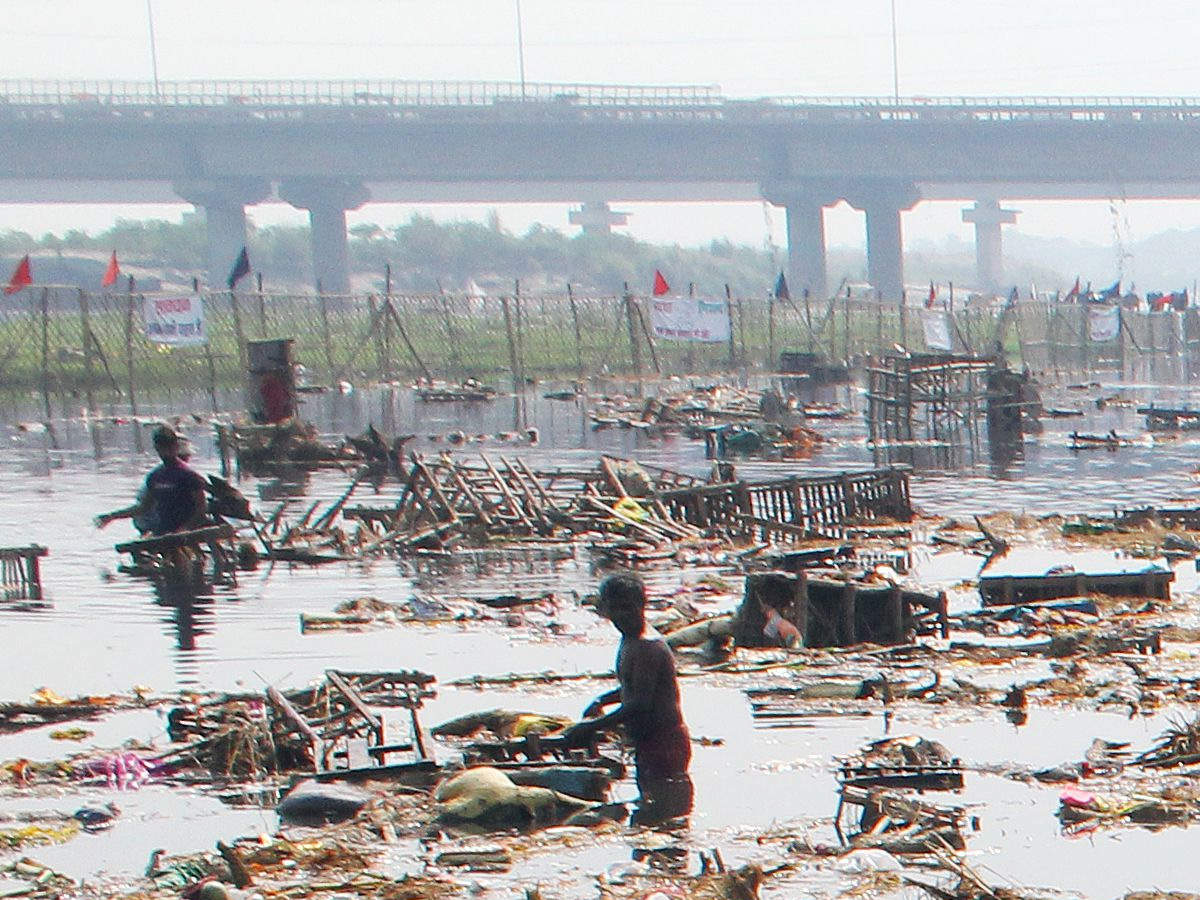 delhi-everyone-wants-a-piece-of-yamuna