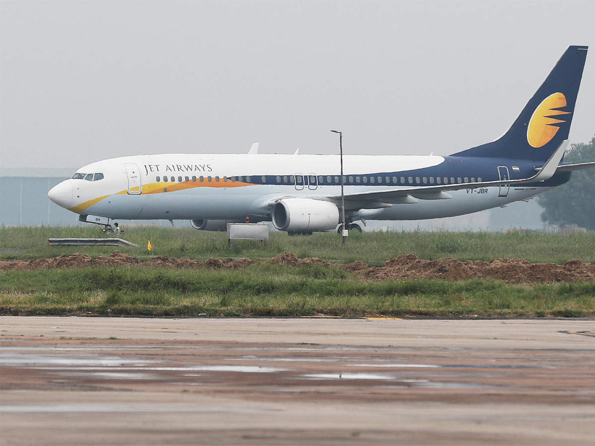 flight-safety-is-at-risk-jet-airways-aircraft-engineers-union-writes-to-dgca