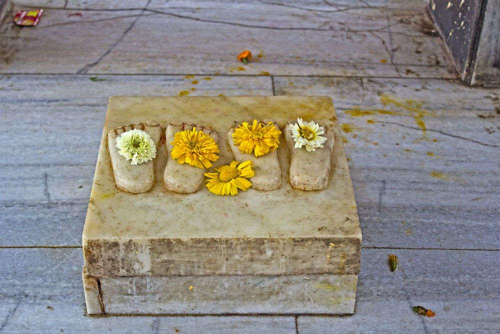 All about how to reach Shri Banke Bihari Temple in Vrindavan