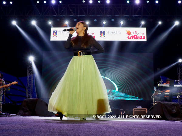 Singer Monali Thakur Performs At The Annual Festival Of Sharda University Events Movie News Times Of India