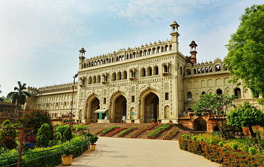 Do you know about the gravity-defying palace in Lucknow?