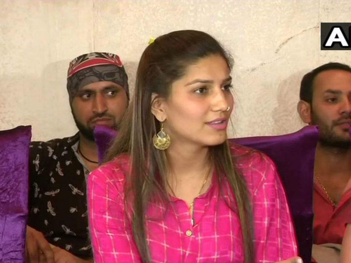 Singer Sapna Chaudhary refuses to become a member of Congress