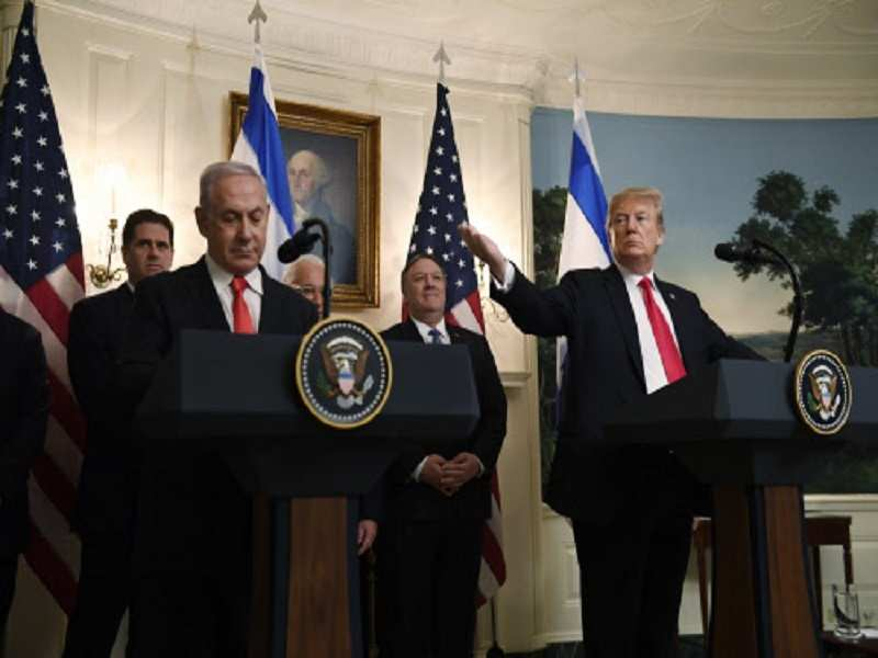 Donald Trump signs a proclamation and recognizes Golan Heights as an Israeli territory