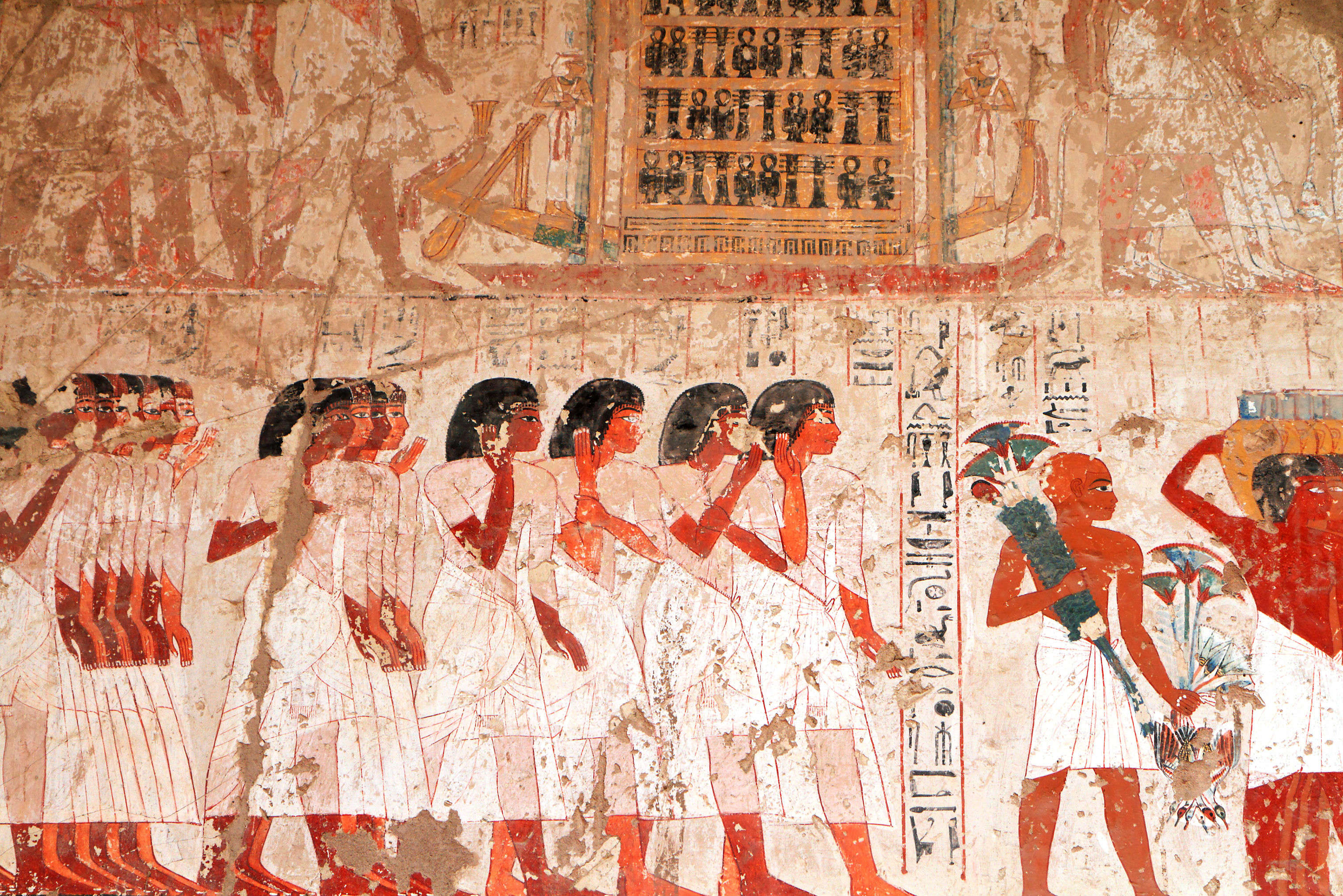 Ptolemaic tomb discovered in Egypt with paintings detailing Egyptian life from that era