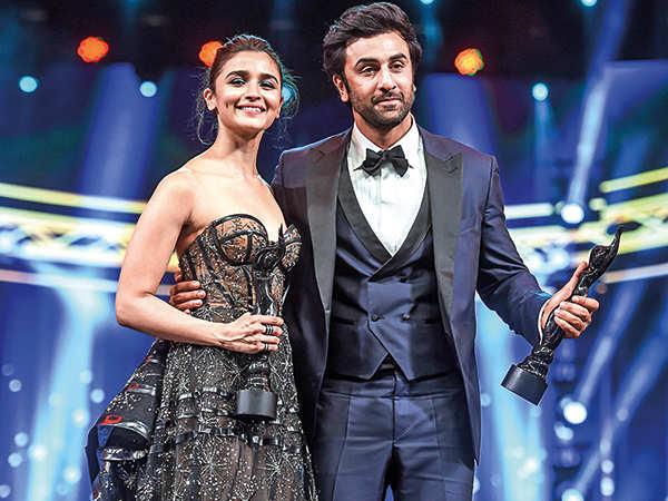 ranbir kapoor boyfriend: Alia Bhatt: I would like to keep my relationship  with Ranbir Kapoor sacred and simple | Hindi Movie News - Times of India