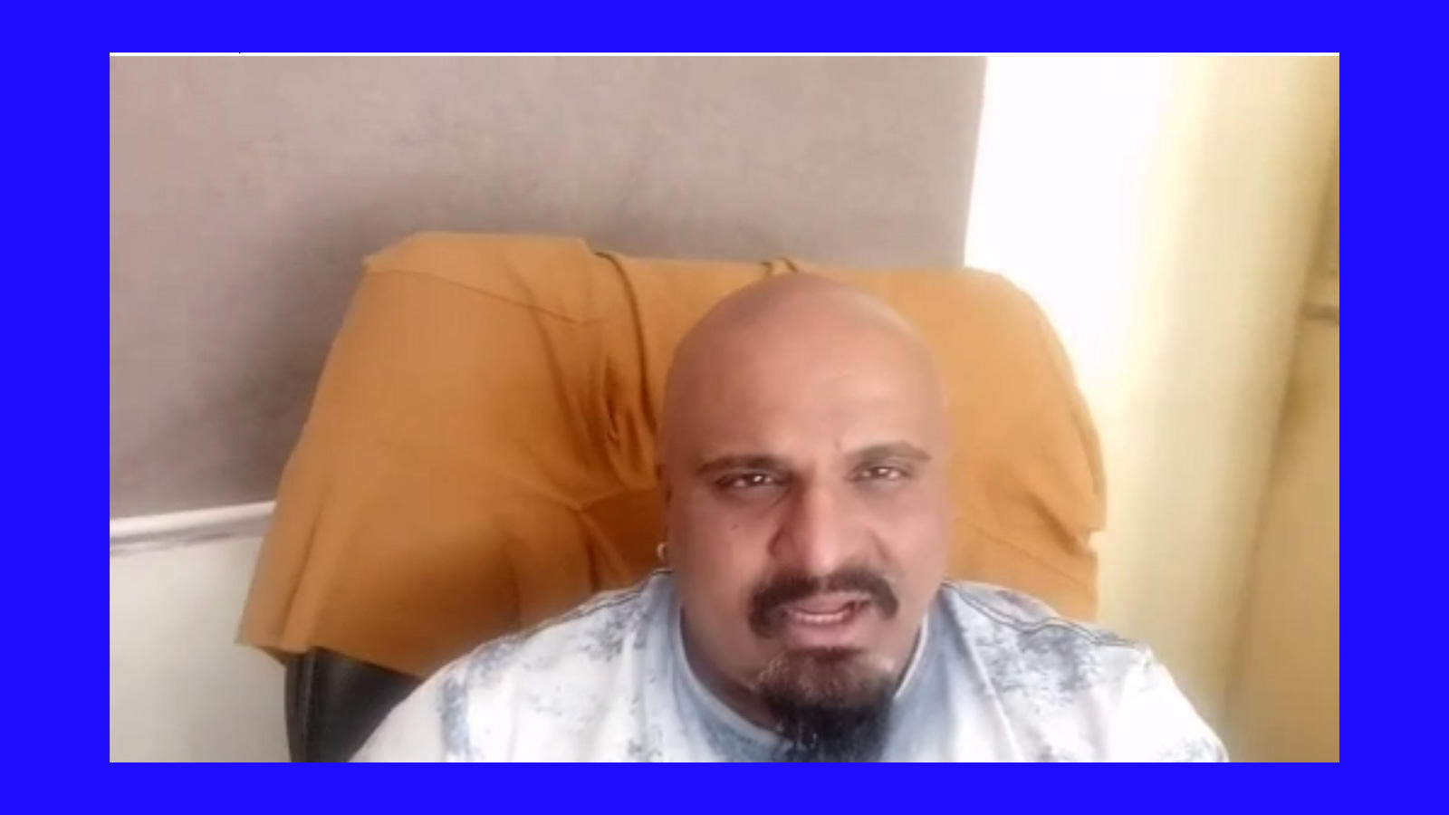 bhai-bhai-fame-arvind-vegda-sings-for-people-appeals-to-vote