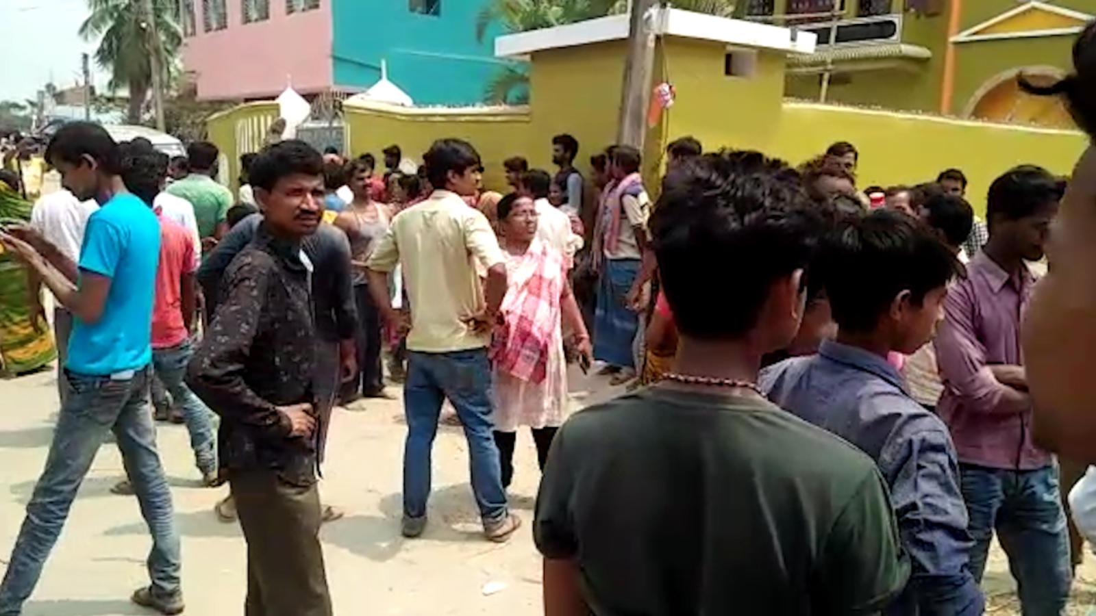 lok-sabha-2019-tmc-and-bjp-workers-clash-during-polling-in-malda