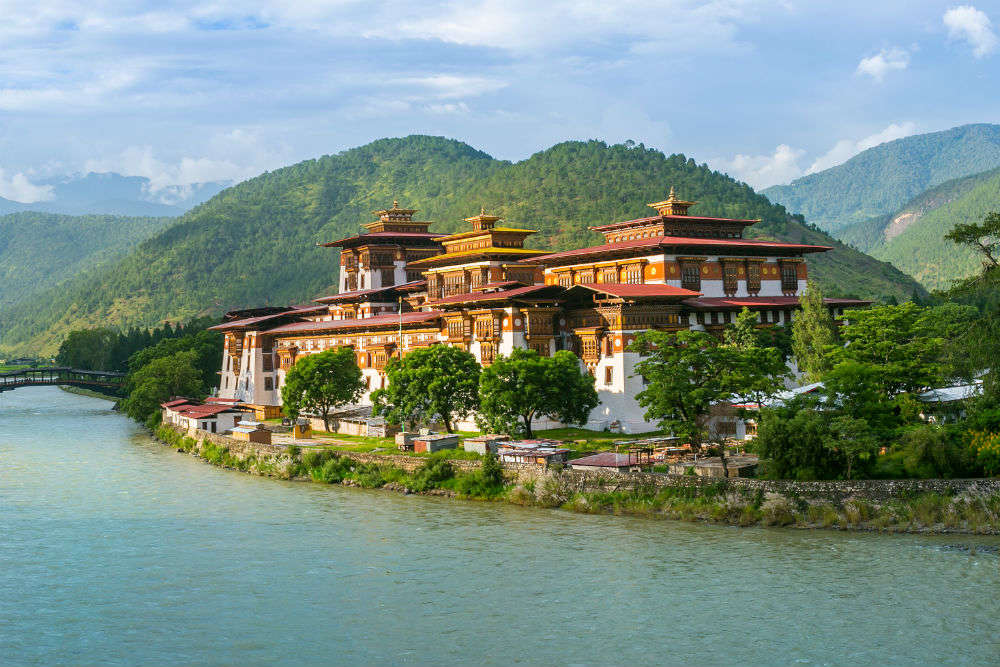 Fly to the exotic Himalayas of Bhutan with IRCTC's package for just INR 39750