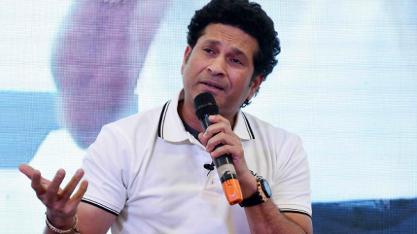 bcci-issues-notice-to-sachin-tendulkar-on-conflict-of-interest