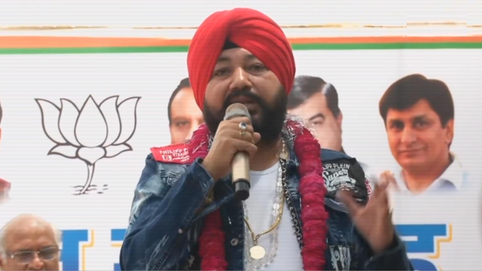 after-sunny-deol-singer-daler-mehndi-joins-bjp-in-delhi