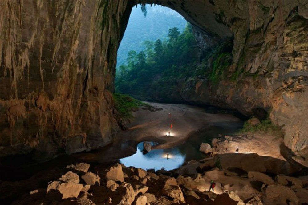 Hang Son Doong Cave, the world's largest cave in Vietnam
