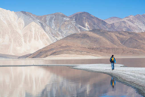 India gets its first ever ice café in Ladakh at 14000 ft