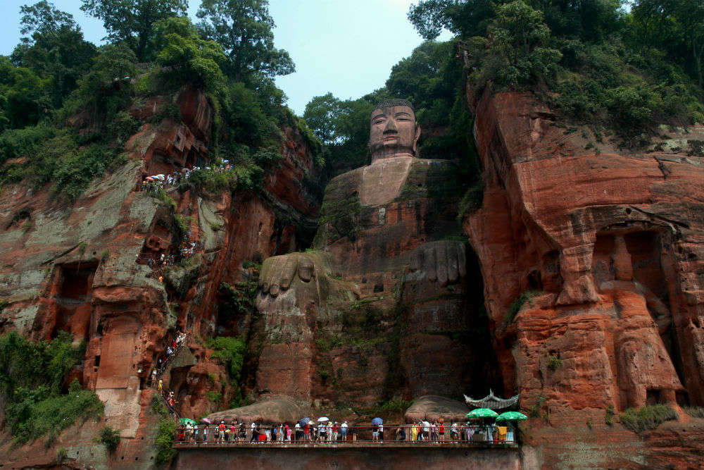 China's famous giant Buddha statue reopens for public