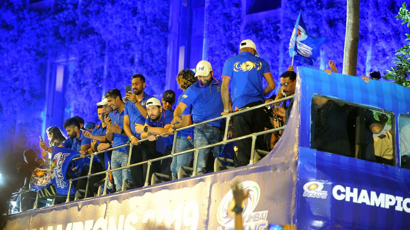 ipl-2019-victorious-mumbai-indians-receive-grand-welcome