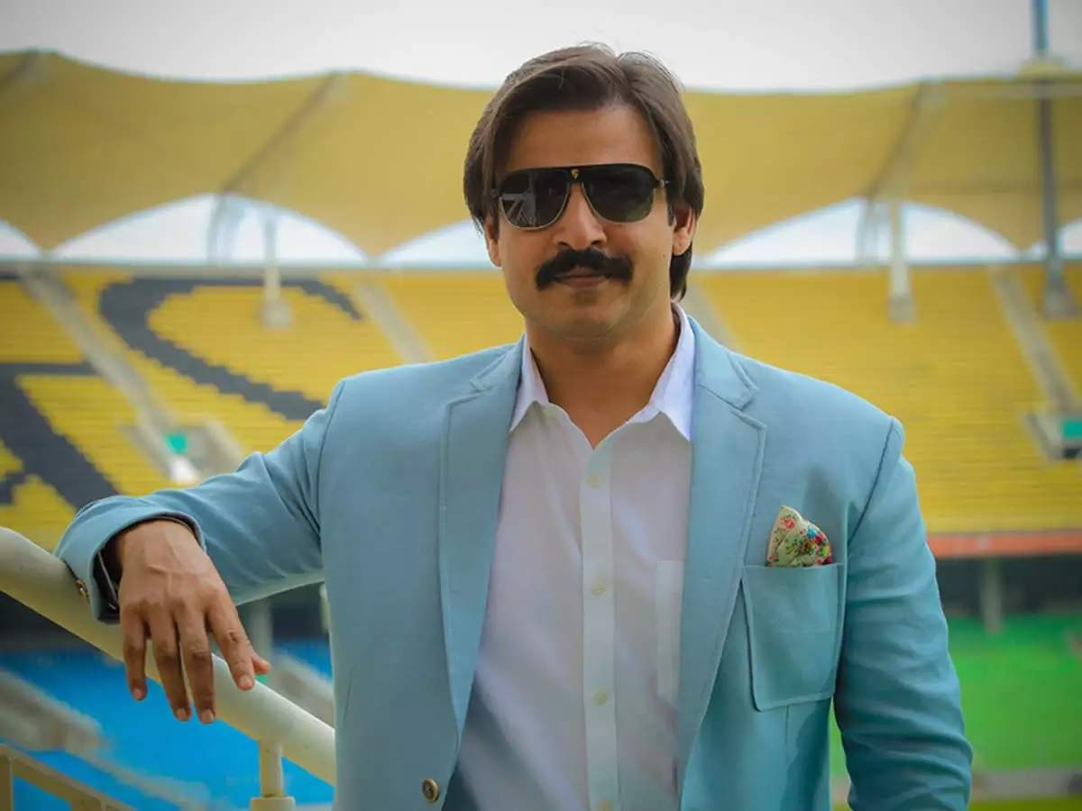 Vivek Oberoi deletes his tweet and apologises to everyone who has been offended by it - Times of India