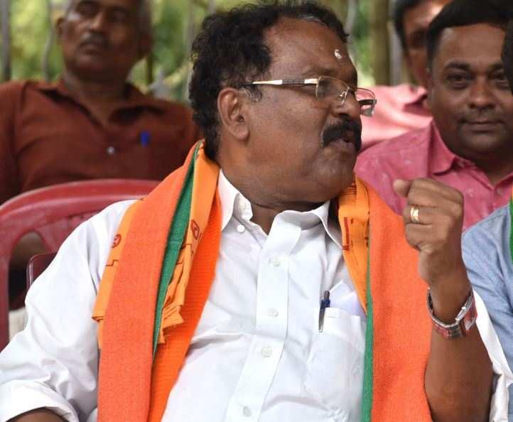 Kerala: Pillai sends legal notice to Thomas Isaac