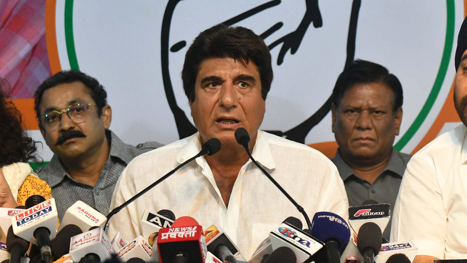 up-congress-president-raj-babbar-resigns