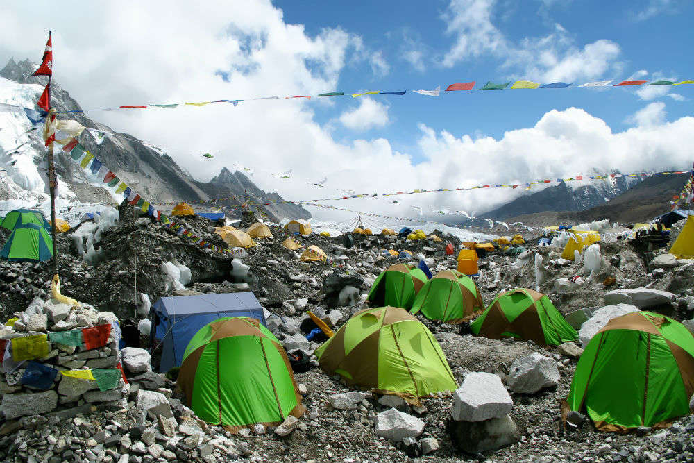 Human traffic jams at the Everest; a number of climbers die