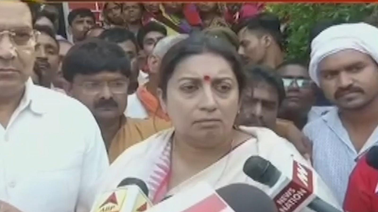 emotional-smriti-irani-promises-justice-to-murdered-aides-family-in-amethi