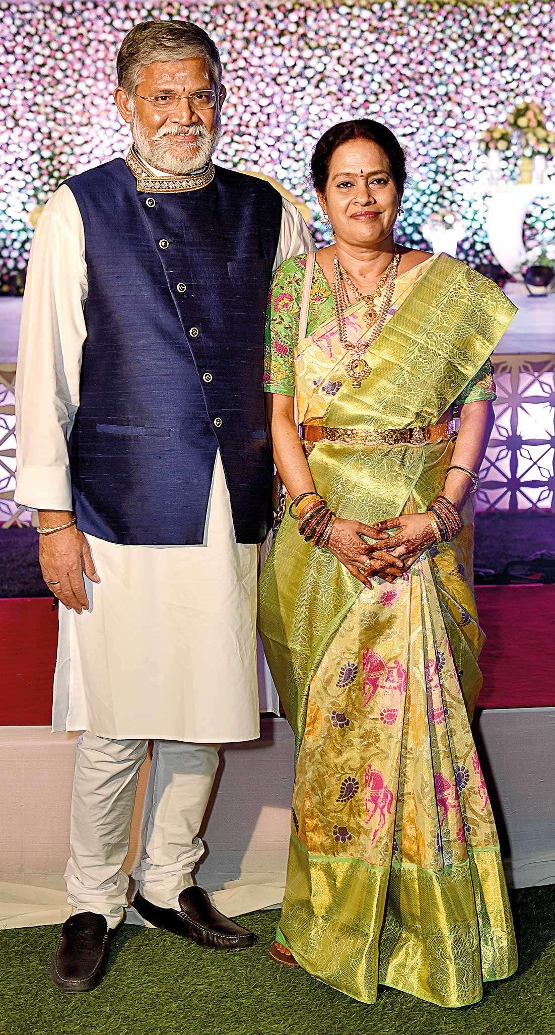 Teja and Divya's elegant wedding soirée | Hyderabad News - Times of