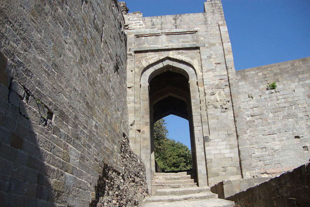 Do you know Kangra Fort has about 8 secret wells laden with wealth?