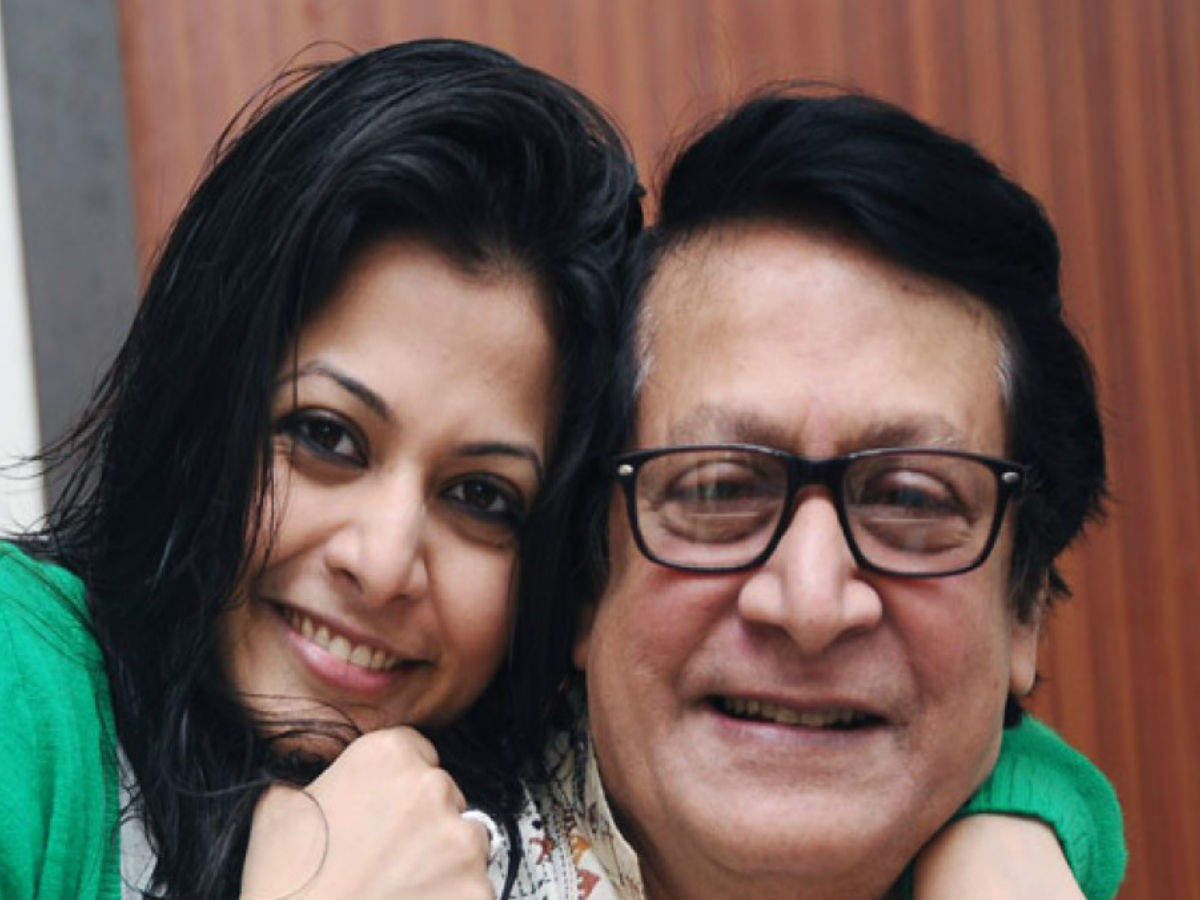 On Father's Day Koel recalls how inspirational dad Ranjit Mallick has been  | Bengali Movie News - Times of India