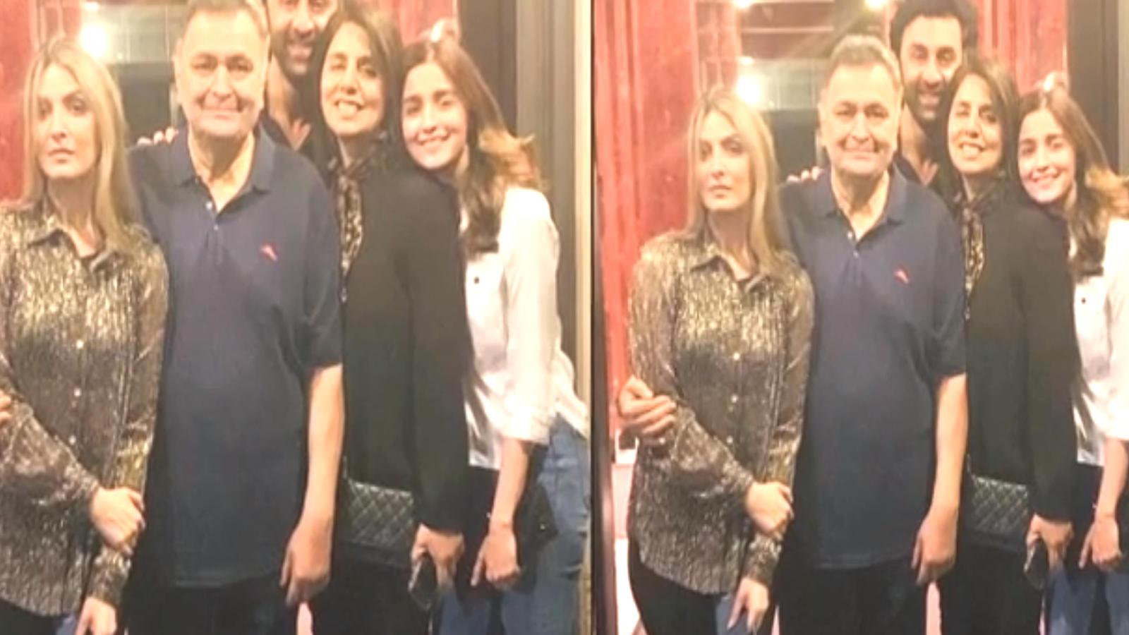 alia-bhatt-is-all-smiles-in-ranbir-kapoors-family-picture