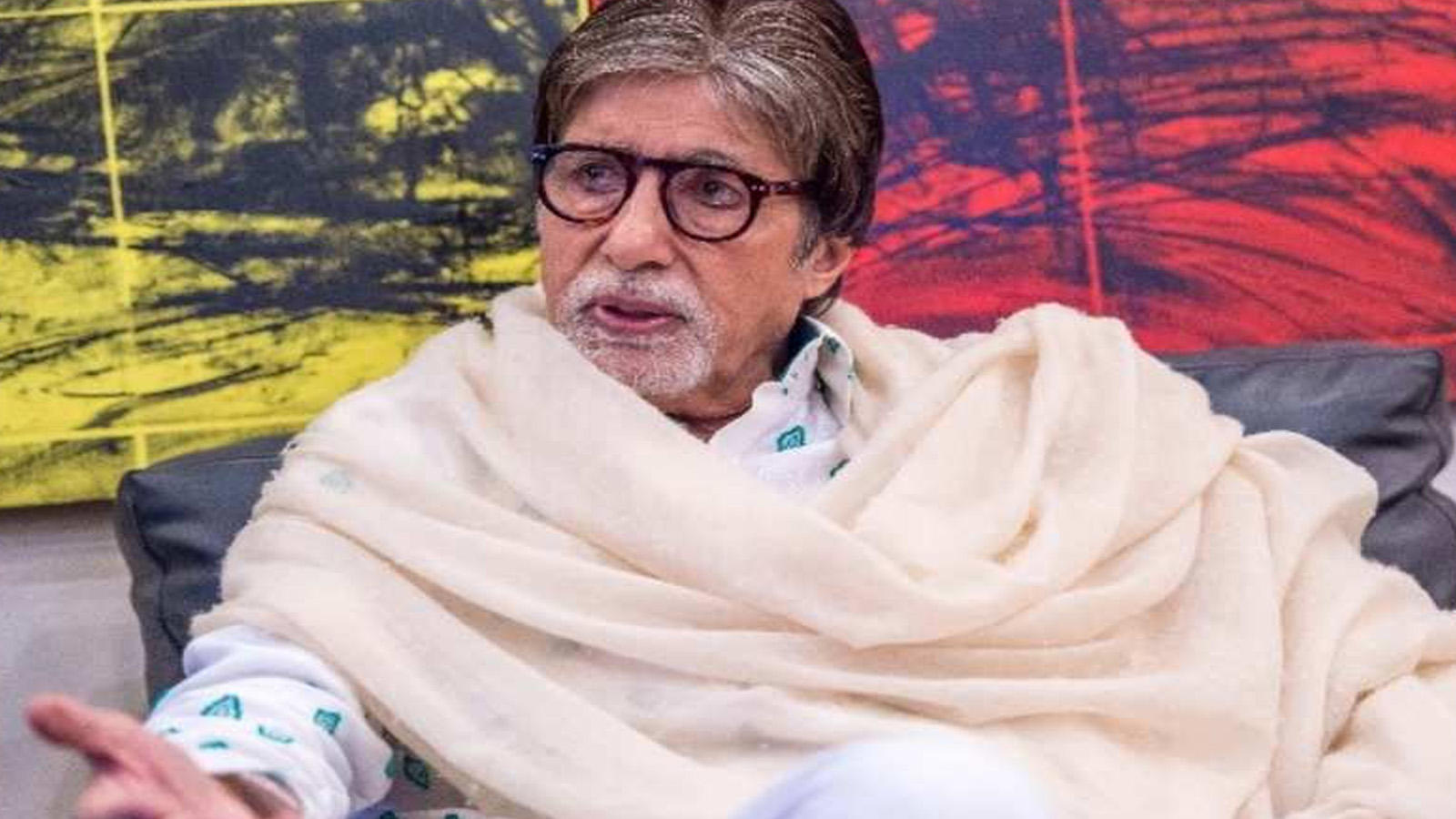 amitabh-bachchan-left-in-tears-after-watching-this-viral-post