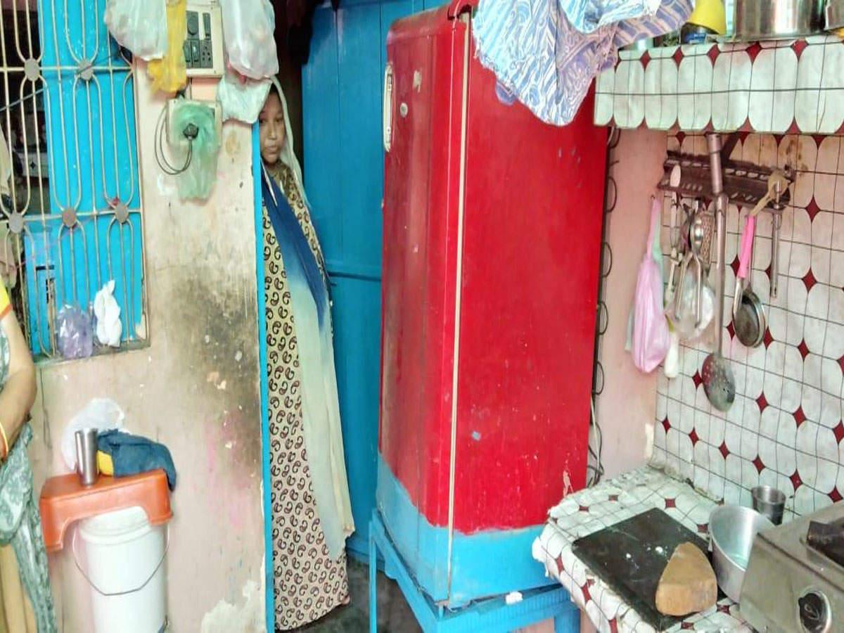 GST raid: 'Millionaire' kachori wala lives in a dilapidated 225 sq
