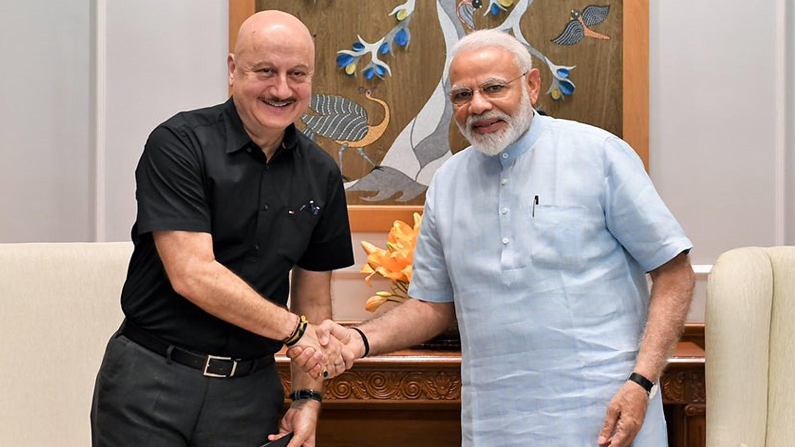Anupam Kher meets PM Narendra Modi, calls it 'an honour and a privilege' |  Hindi Movie News - Bollywood - Times of India