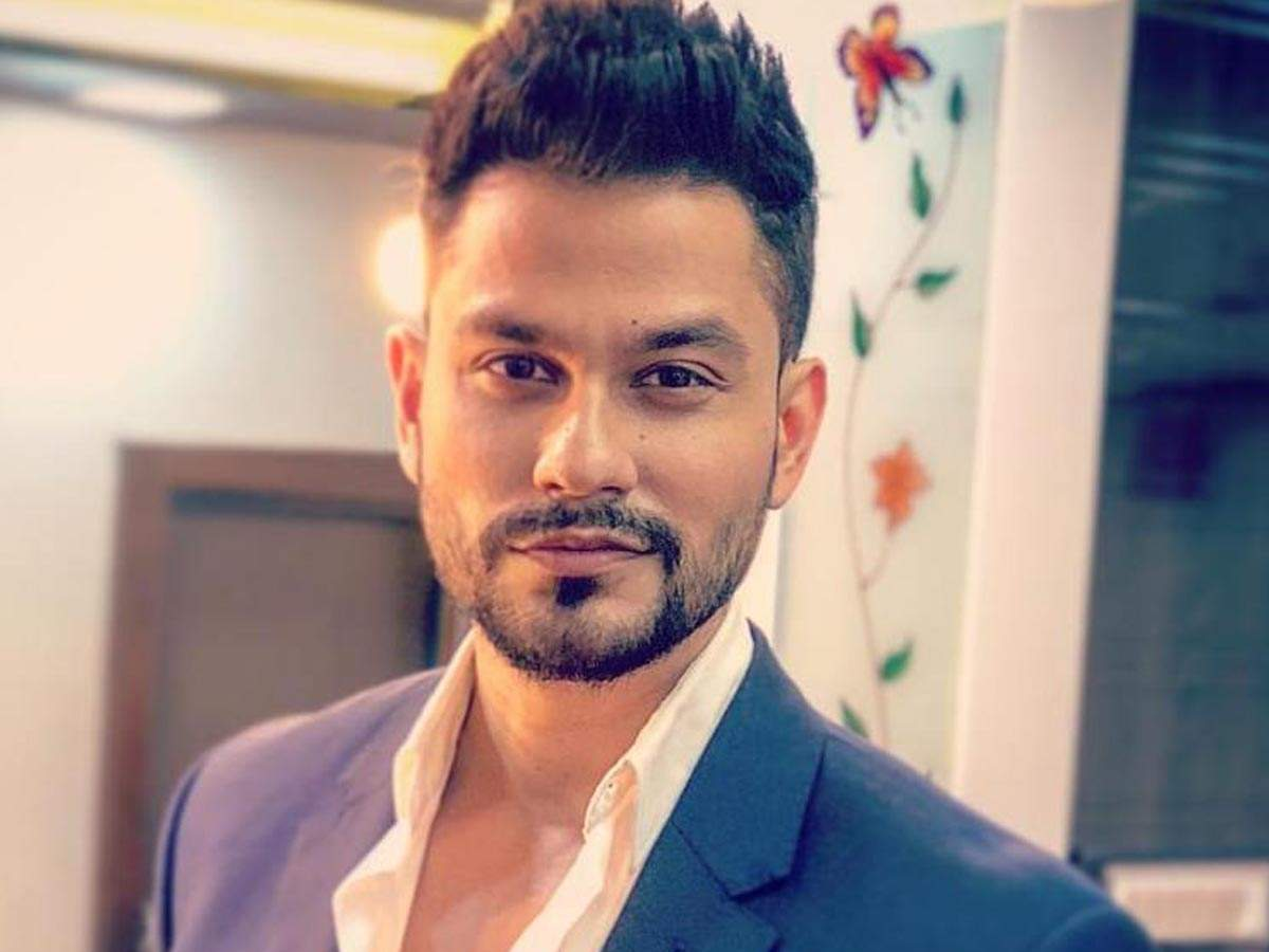 Check Out Kunal Khemu S Humorous Take On The Bottlecapchallenge Hindi Movie News Times Of India