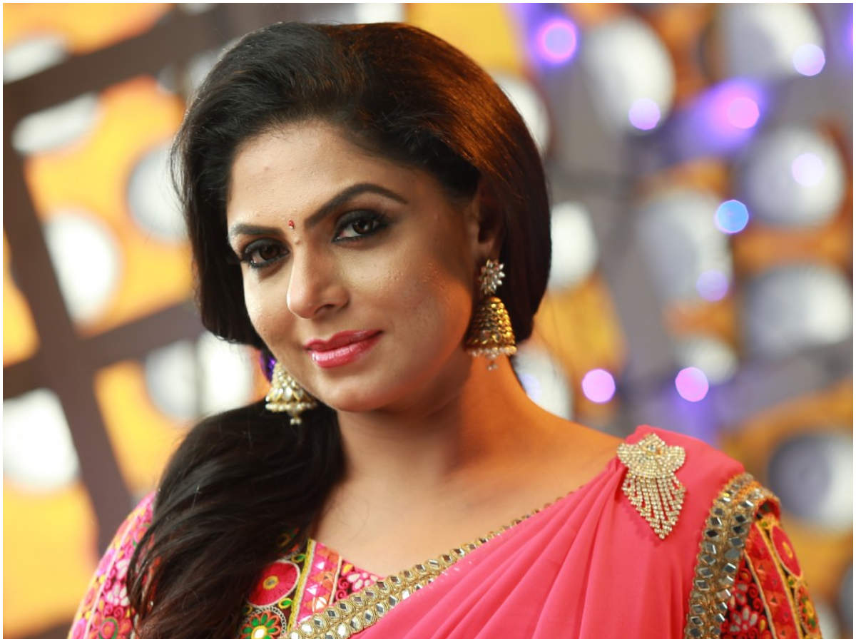Complaint filed against Asha Sharath, apropos recent promo video of  'Evidey' | Malayalam Movie News - Times of India