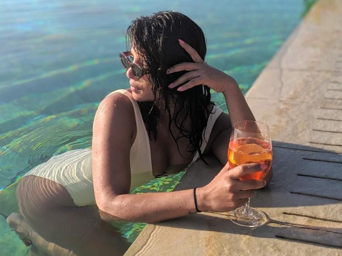 Photos Nick Jonas Turns Photographer For A Swimsuit Clad Priyanka Chopra From Their Romantic Getaway In Italy Hindi Movie News Times Of India Priyanka chopra is an indian actress who primarily works in hindi films. swimsuit clad priyanka chopra
