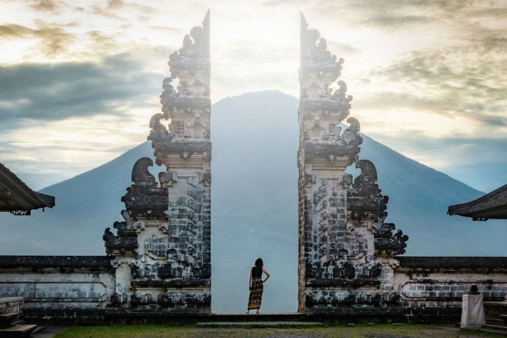 Revealed: reality of the fake photo ops of Bali's popular tourist attraction