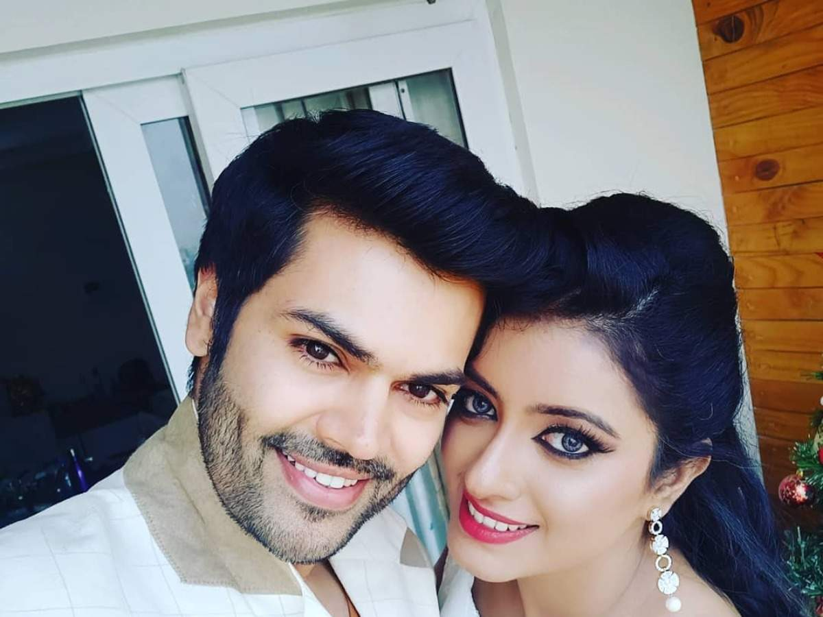 Bigg Boss Tamil fame Ganesh Venkatram and wife Nisha reveal