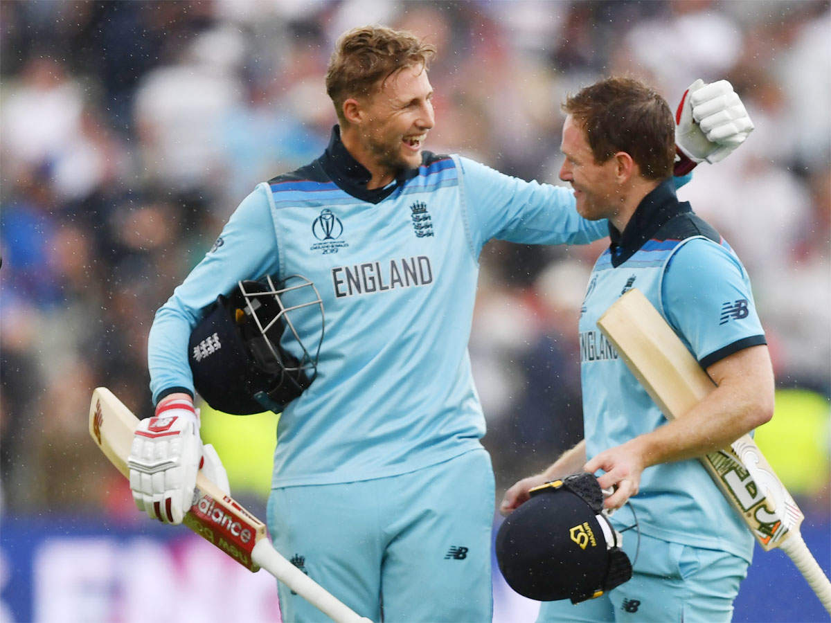england-thump-australia-to-reach-world-cup-final
