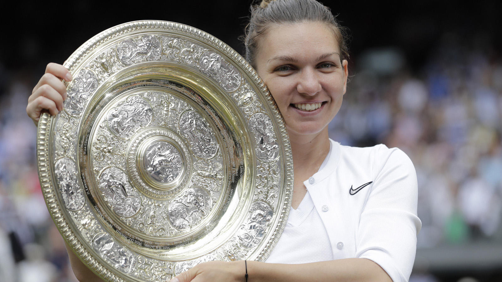 simona-halep-beats-serena-williams-in-the-wimbledon-final