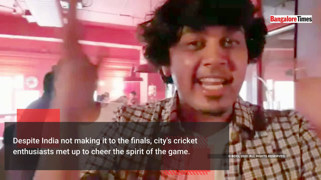cricket-lovers-meet-up-to-cheer-for-the-best-team-at-the-world-cup