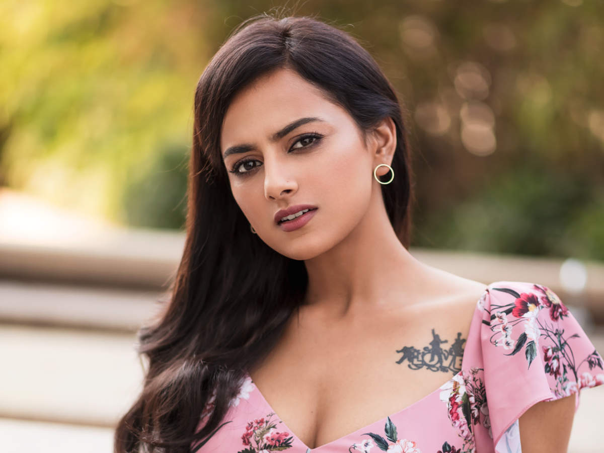 I'm not spoilt for choice, so, I take it slow: Shraddha Srinath | Tamil  Movie News - Times of India