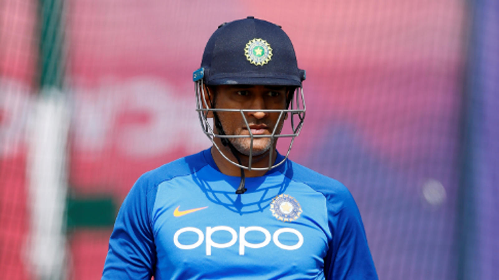dhoni-has-no-plans-to-retire-soon