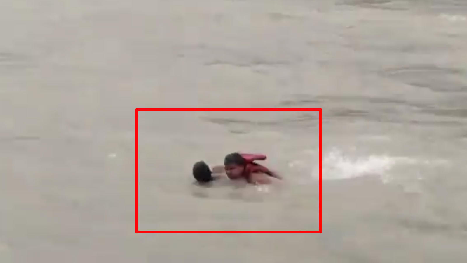 on-cam-uttarakhand-cop-saves-man-from-drowning-in-haridwar