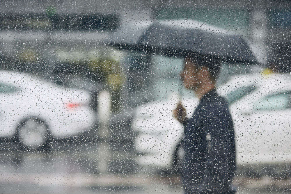 Delhi-NCR to experience heavy rains on July 25 and 26, red and orange alert