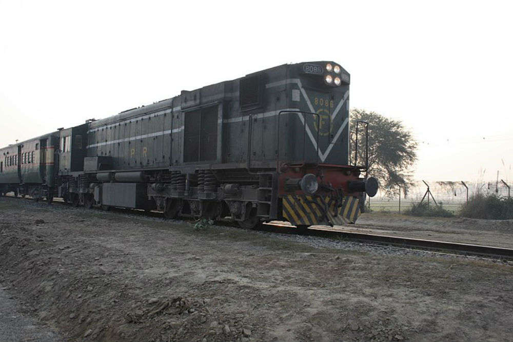 Pakistan suspends Samjhauta Express; cites security reasons