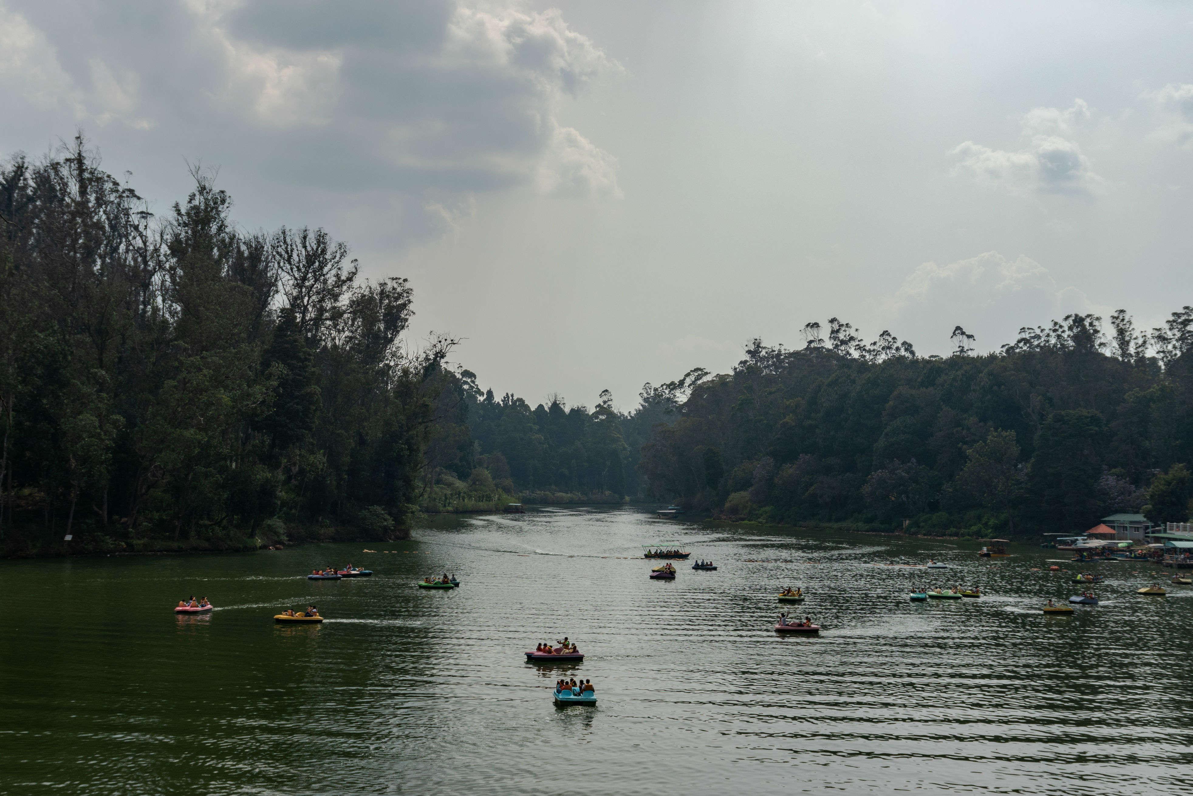 Take a boat ride in Tamil Nadu's picturesque Courtallam region
