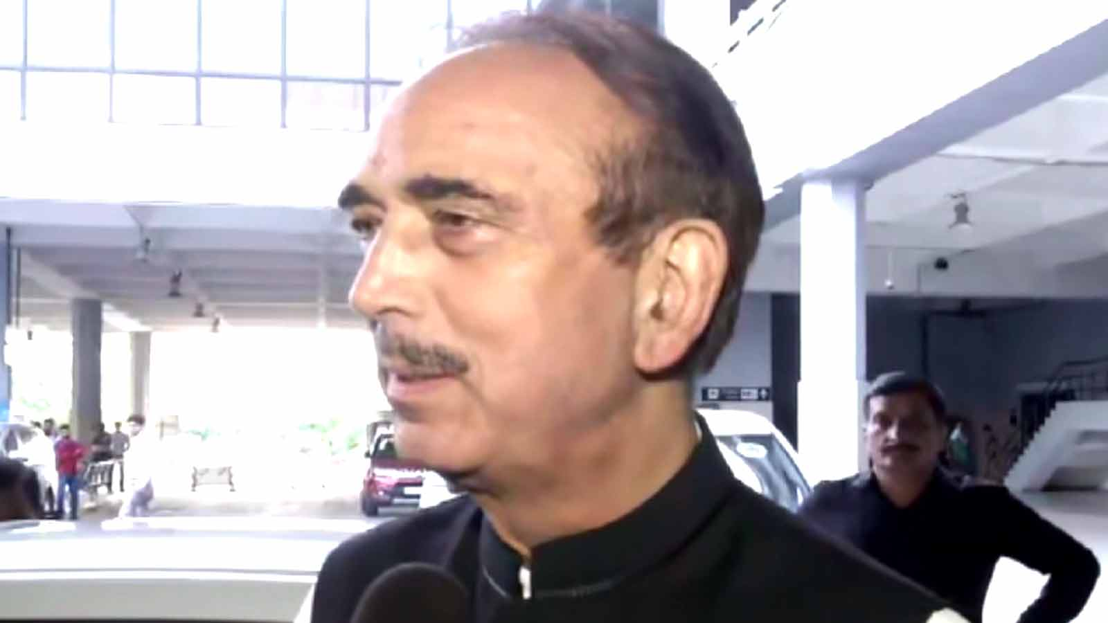its-sign-of-intolerance-ghulam-nabi-azad-on-being-stopped-at-jammu-airport