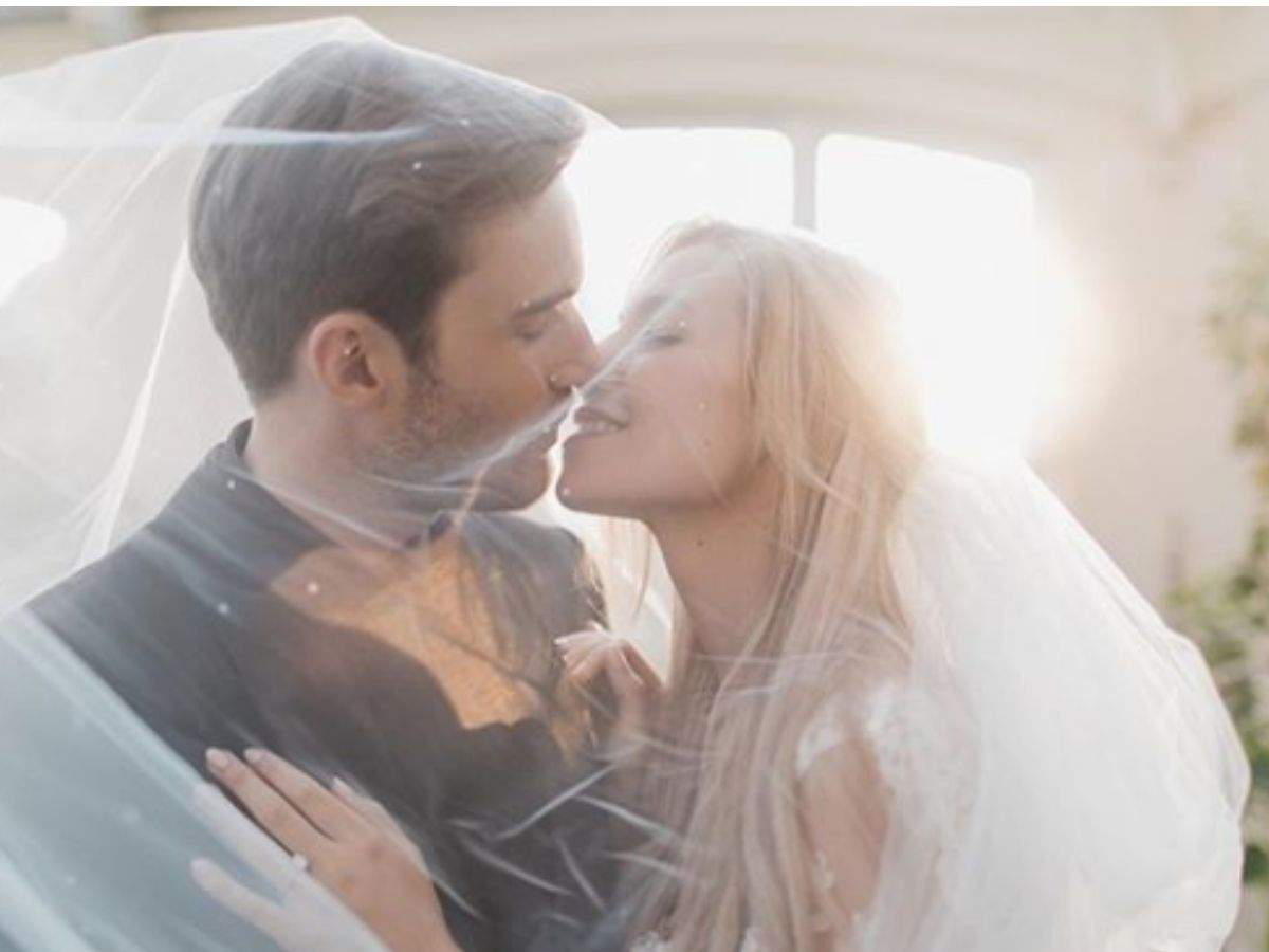 PewDiePie gets hitched to Marzia