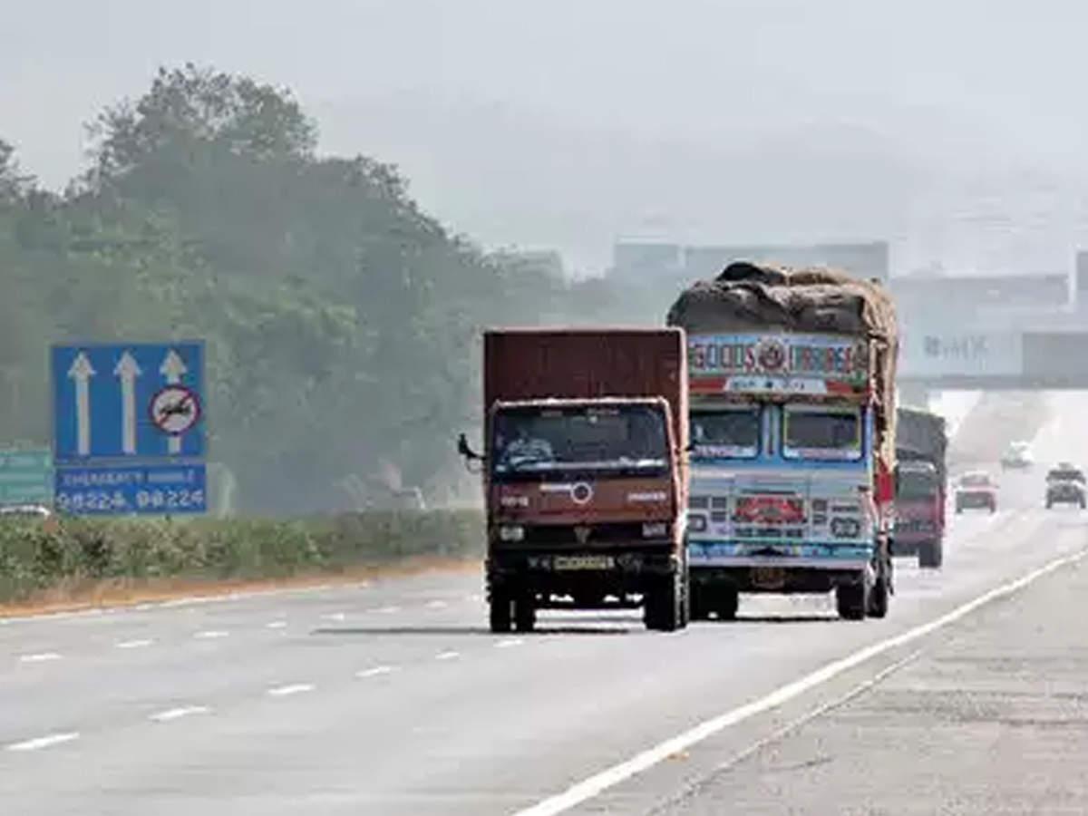 Mumbai Pune Expressway: Latest News, Videos and Mumbai Pune
